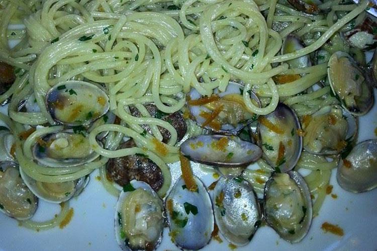 Caffè Malù - Spaghetti con le vongole
