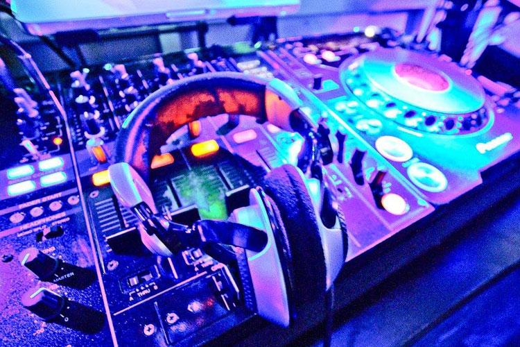 Studio 7 - Console dj